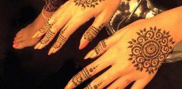 Les différents tatouages au henné : les fleurs de lyx, les fleurs de cerisier, choisissez le votre !